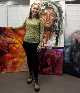 Taiteilija Tuula Ropponen